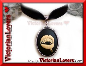Collarino Vampire's Kiss by VictorianLovers.com