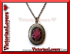 Collana Locket Purple Flower by VictorianLovers.com